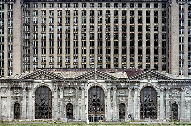 detroit decay photo essay