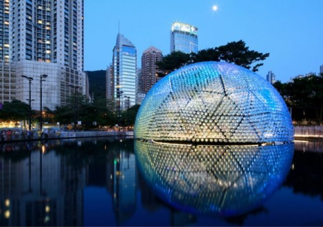 Lantern-Pavilion-made-from-Recycled-Water-Bottles3-640x452
