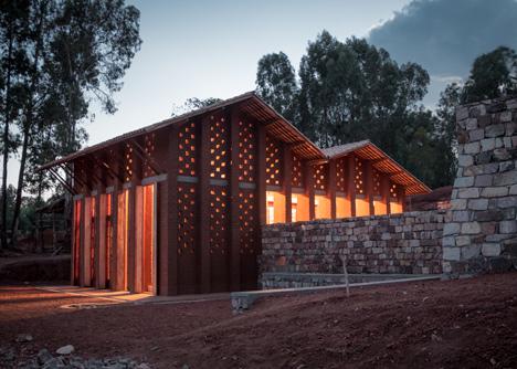 Biblioteca de Muyinga - 01