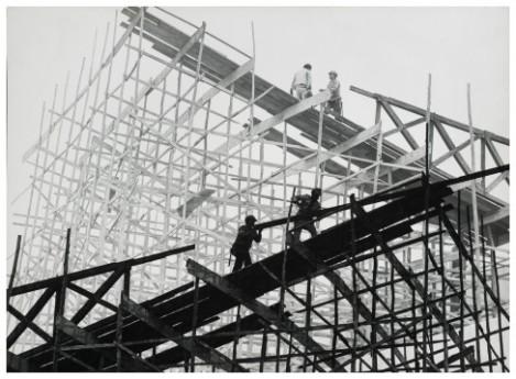 Construtores-sd_Paulo-Pires_reprodução-fotográfica-Iara-Venanzi-487x358