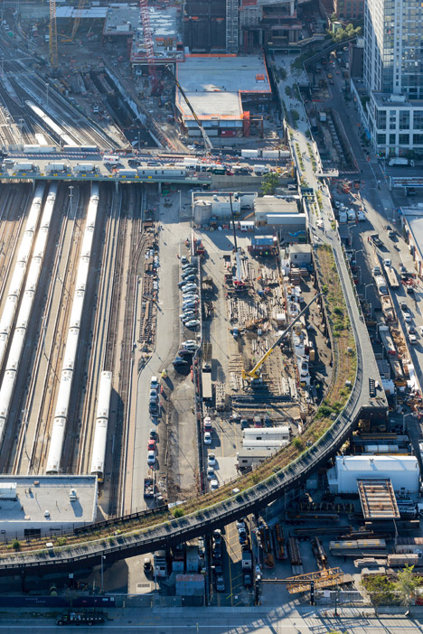 The-High-Line-at-the-Rail-Yards_dezeen_468_01