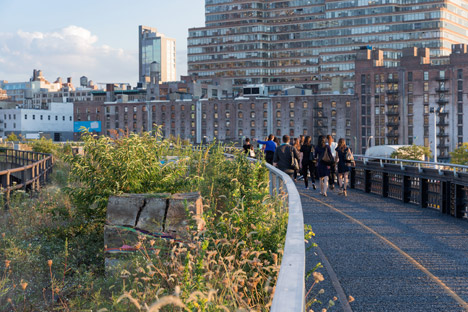 The-High-Line-at-the-Rail-Yards_dezeen_468_101