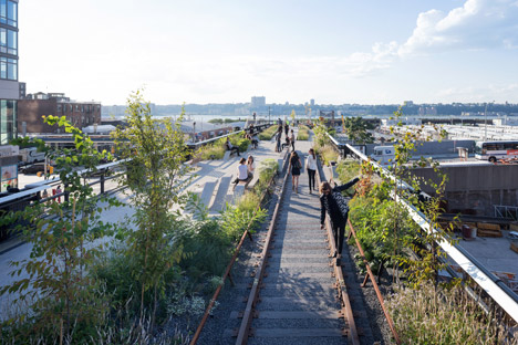 The-High-Line-at-the-Rail-Yards_dezeen_468_31
