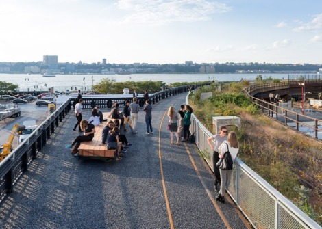 The-High-Line-at-the-Rail-Yards_dezeen_784_81