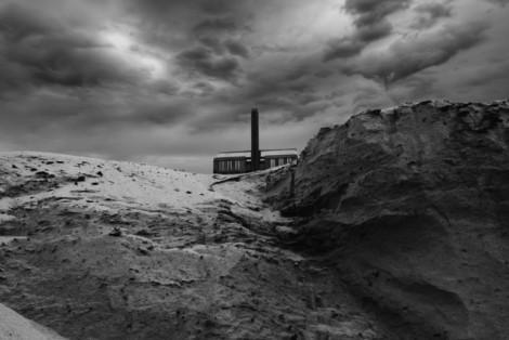 Black-and-White-Apocalypse-Photomontage_2-640x428