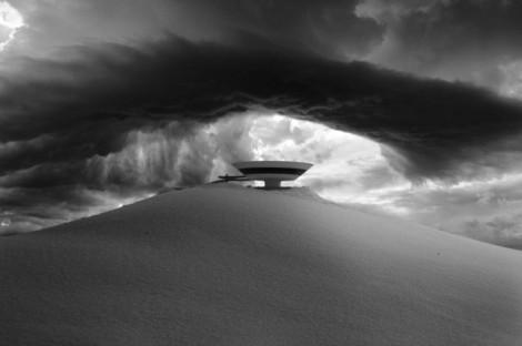 Black-and-White-Apocalypse-Photomontage_9-640x426